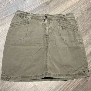 🍁Reitmans Washed Out Olive Green Mini Skirt sz 11